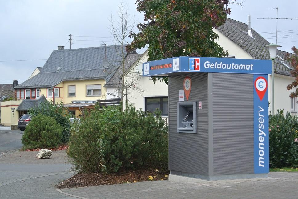 moneyserv-Geldautomat in Gonzerath Seitenansicht 1